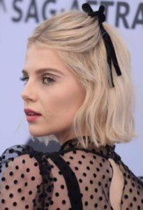 Inspiration cheveux courts demi-attache sur cheveux courts avec accessoires